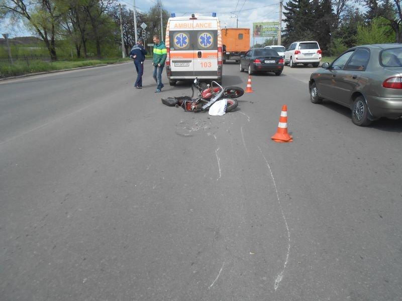 Во время ДТП в Краматорске тяжело травмирован мотоциклист (фото) - фото 2