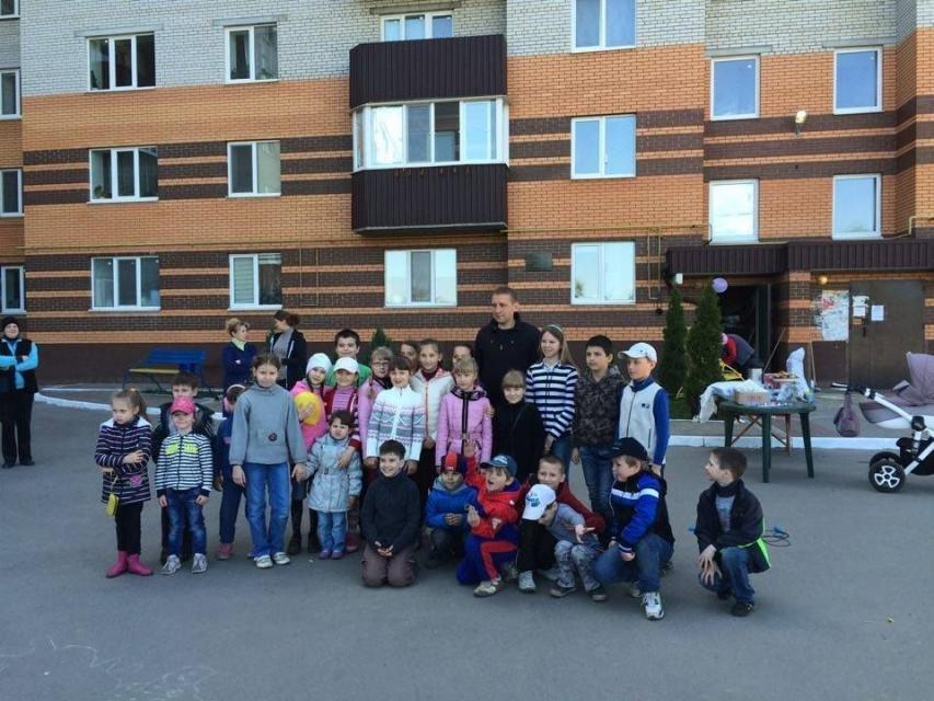 Как в Кременчуге на субботнике убирались мэр, заместители, депутаты и другие жители города (фото) - фото 2