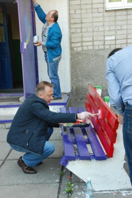 Как в Кременчуге на субботнике убирались мэр, заместители, депутаты и другие жители города, фото-7