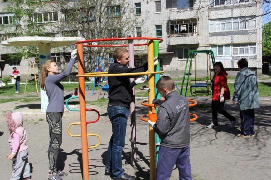 Как в Кременчуге на субботнике убирались мэр, заместители, депутаты и другие жители города, фото-18