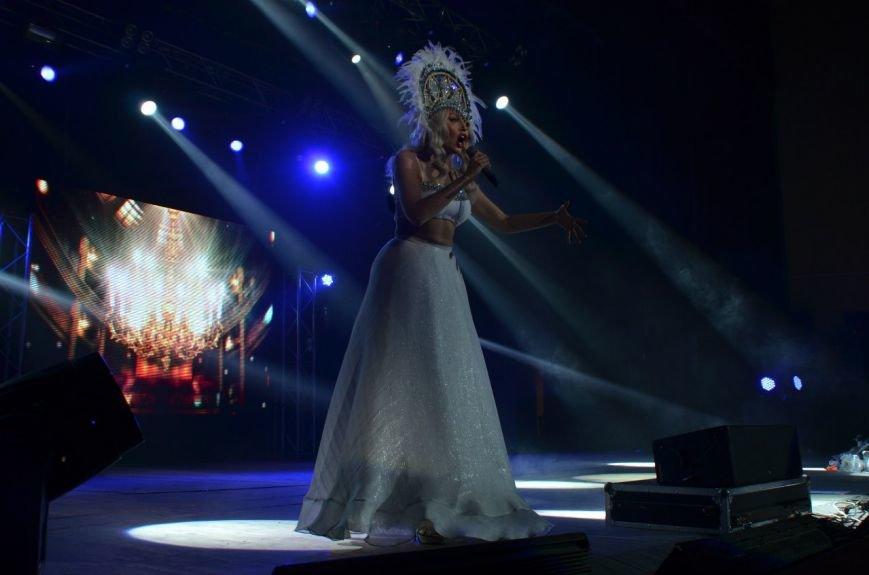 В Мариуполе Ольга Полякова взорвала зал и заставила зрителей танцевать (ФОТОРЕПОРТАЖ+ВИДЕО) (фото) - фото 3
