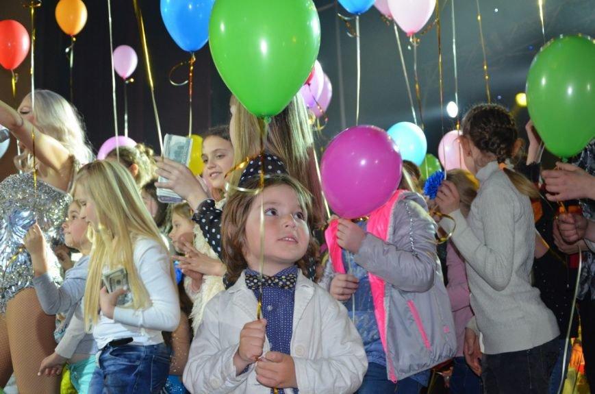 В Мариуполе Ольга Полякова взорвала зал и заставила зрителей танцевать (ФОТОРЕПОРТАЖ+ВИДЕО) (фото) - фото 6