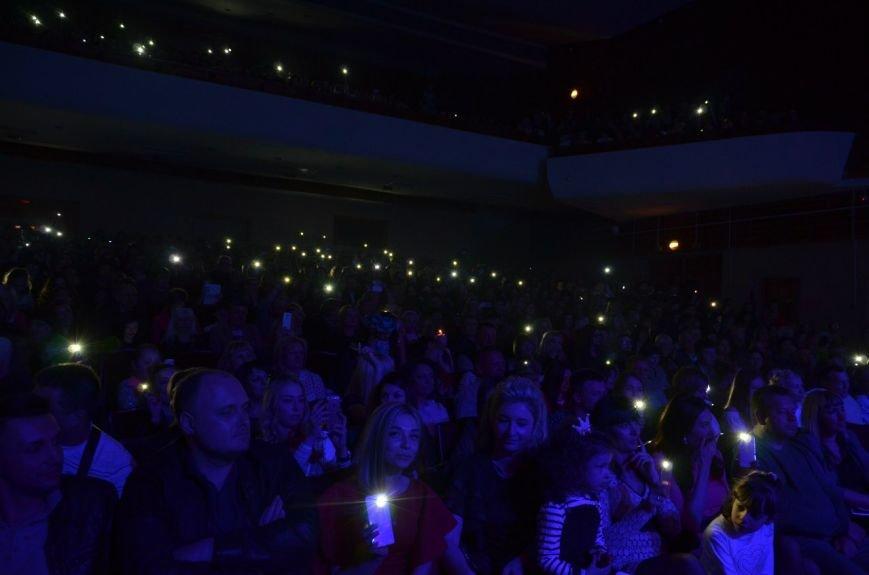 В Мариуполе Ольга Полякова взорвала зал и заставила зрителей танцевать (ФОТОРЕПОРТАЖ+ВИДЕО) (фото) - фото 5