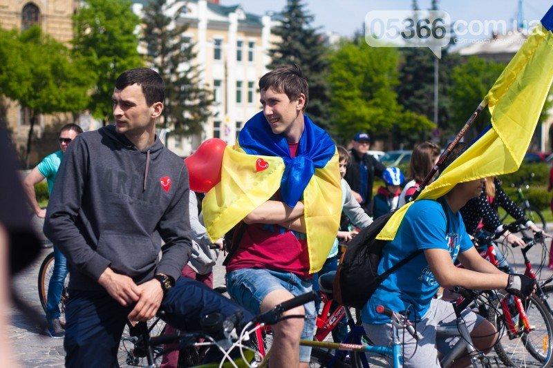 """Кременчугские велосипедисты открыли сезон и впервые стали """"сердце к сердцу"""" (ВИДЕО), фото-1"""