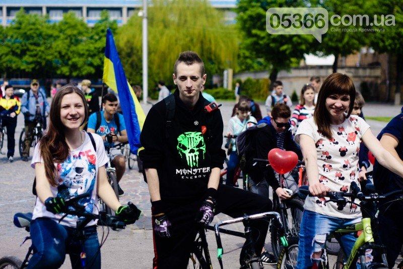 """Кременчугские велосипедисты открыли сезон и впервые стали """"сердце к сердцу"""" (ВИДЕО), фото-2"""