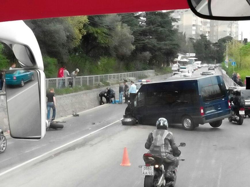 ФОТО: под Ялтой автобус Форд сбил насмерть мотоциклиста, фото-2