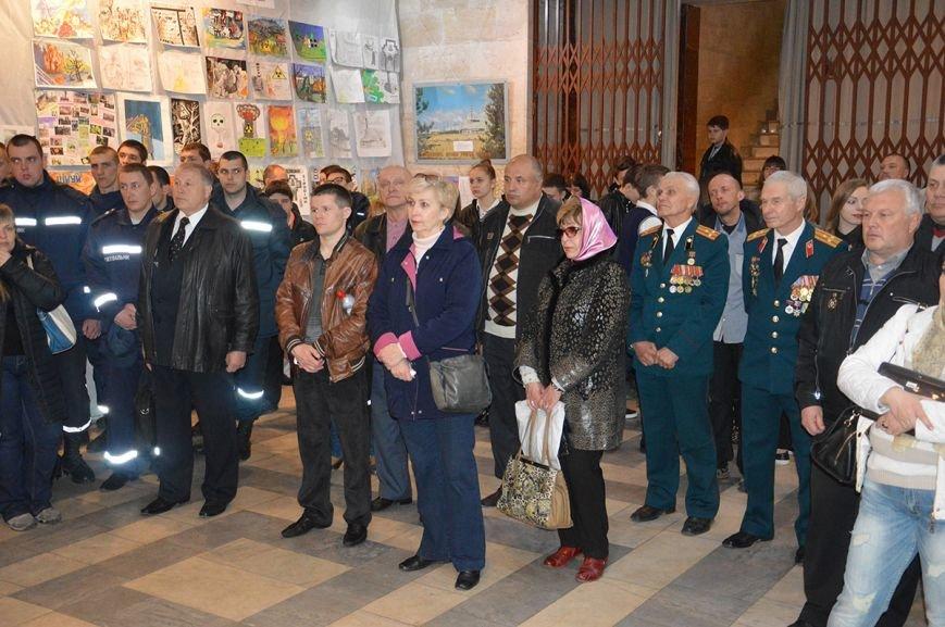 В Днепропетровске представили выставку, посвященную 30-летию Чернобыльской катастрофы (ФОТО), фото-7