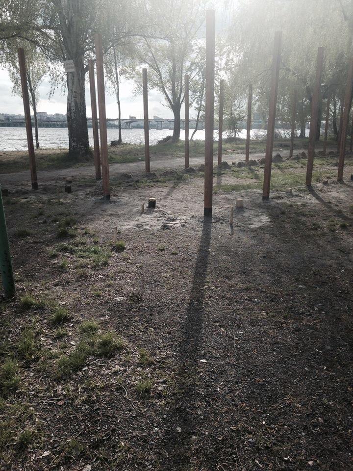 На Солнечном вместо спортивной площадки строят очередной МАФ (ФОТО), фото-4