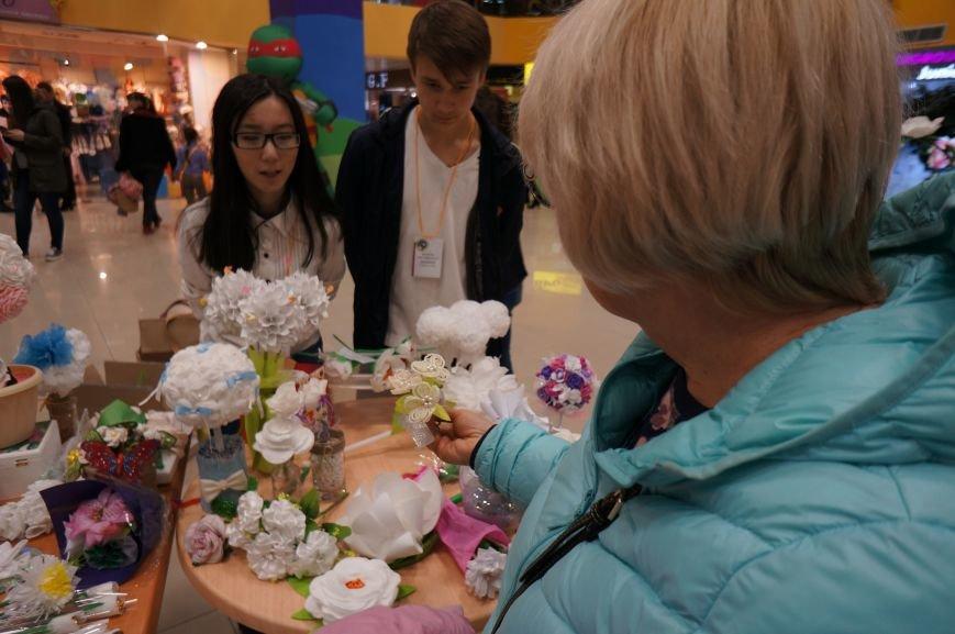 «Белый цветок» распускает бутон, чтобы помочь детям (фото) - фото 1