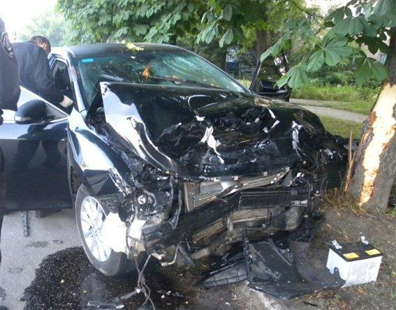 Кіровоградські поліцейські розшукали підозрюваного у скоєнні ДТП, в яку потрапив автомобіль із весільного кортежу. ФОТО (фото) - фото 1