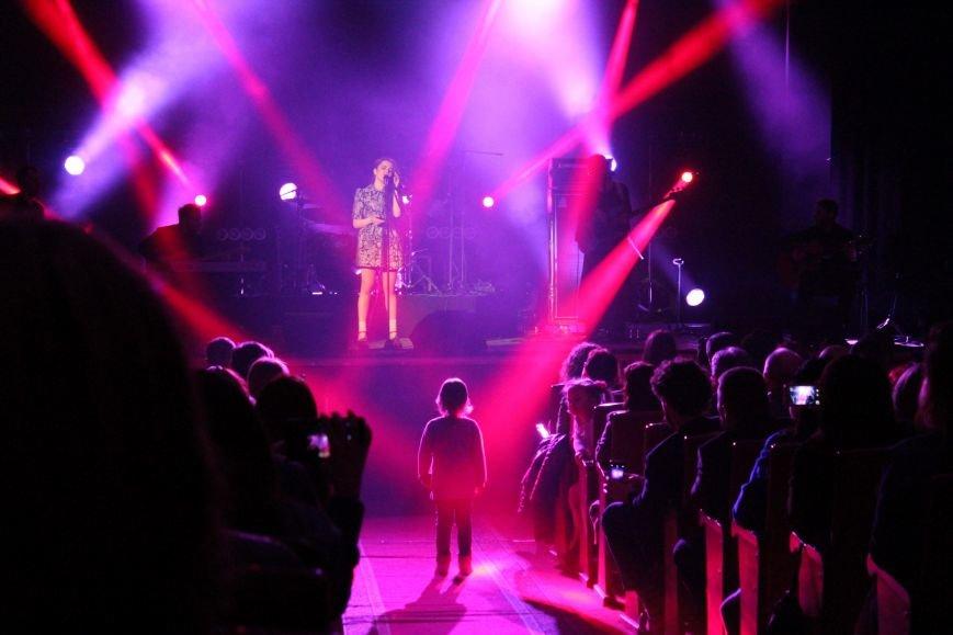 Христина Соловій у Хмельницькому вперше виступила з сольним концертом (Фото) (фото) - фото 1
