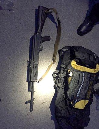 В Днепропетровске у патрульного обнаружили арсенал оружия (ФОТО) (фото) - фото 3