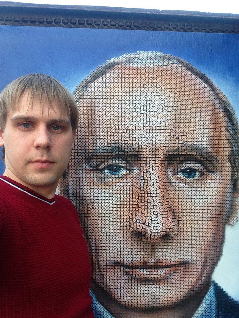 В Армавире художники сделали портрет президента страны из саморезов (фото) - фото 1