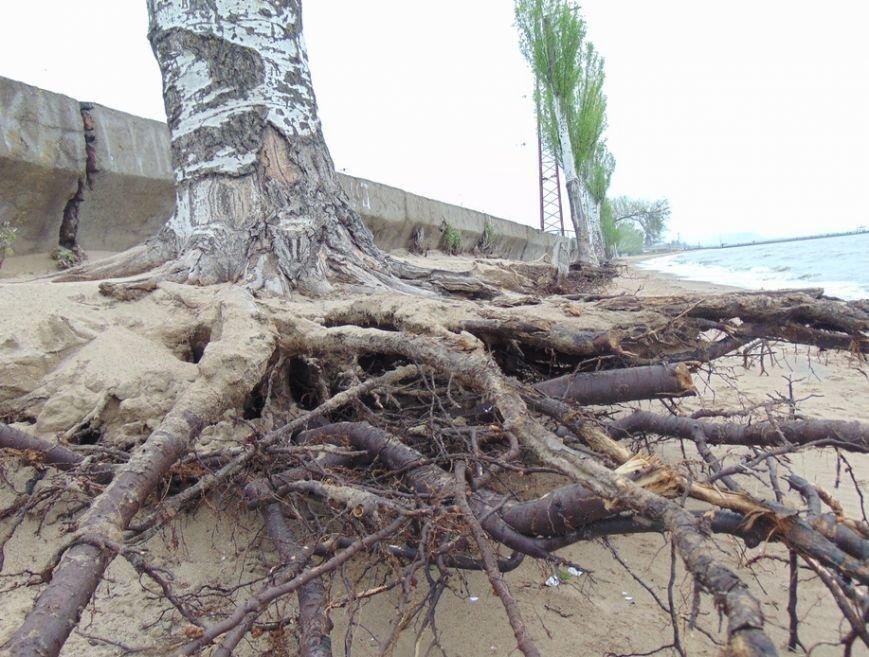 В Мариуполе исчезла часть городского пляжа (ФОТО), фото-2