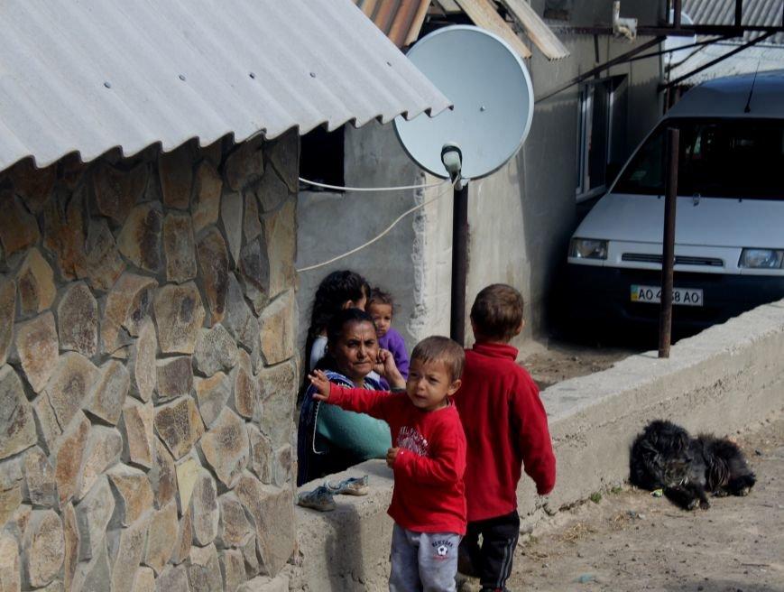 Один день з життя циганського табору на Ужгородщині: фоторепортаж, фото-12