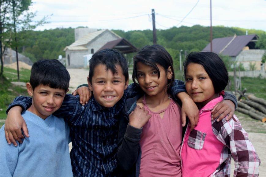 Один день з життя циганського табору на Ужгородщині: фоторепортаж, фото-1