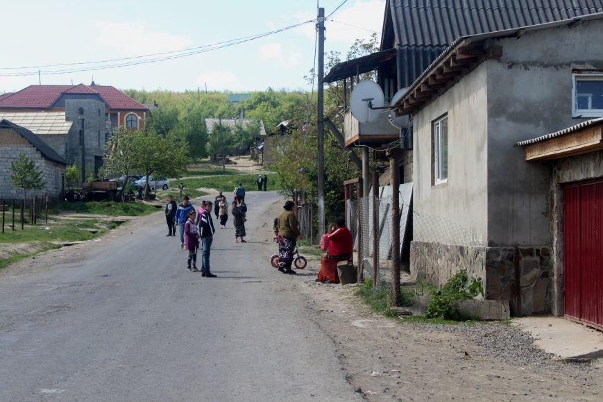 Один день з життя циганського табору на Ужгородщині: фоторепортаж, фото-14
