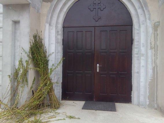 У Рівному розшукують зловмисника,який вкрав із церкви понад  23 тисячі гривень пожертв (ФОТО) (фото) - фото 2