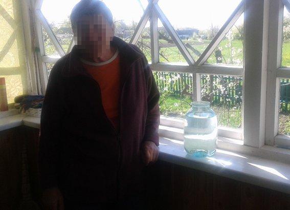 На Житомирщине в одном селе работало 6 точек производства и сбыта самогона (фото) - фото 1