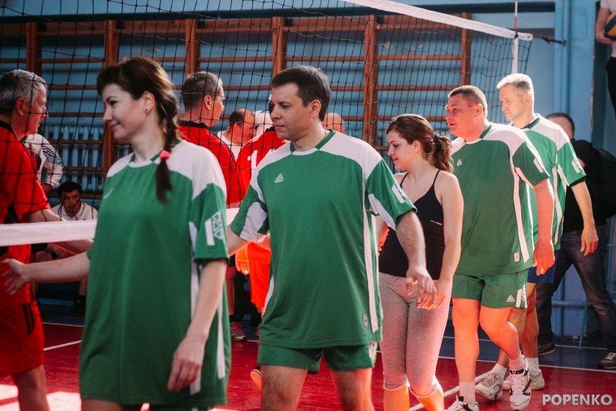 А вы уже видели, как кременчугские депутаты в футбол и волейбол играют? (ФОТО), фото-2