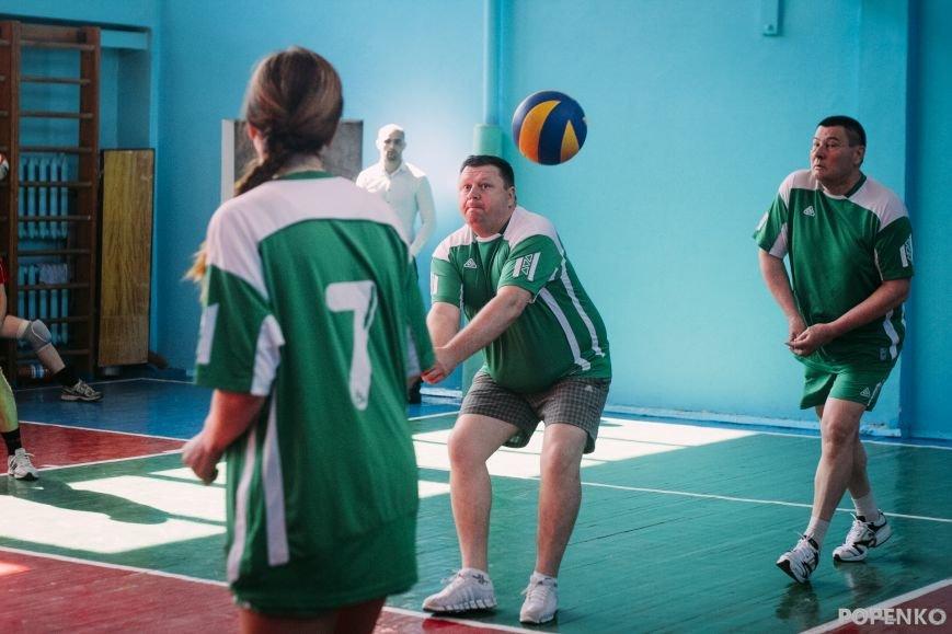 А вы уже видели, как кременчугские депутаты в футбол и волейбол играют? (ФОТО), фото-3