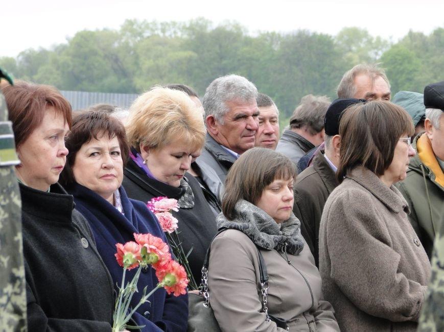 У Хмельницькому відбулися заходи вшанування 30-ої річниці трагедії на Чорнобильській АЕС (Фото) (фото) - фото 5