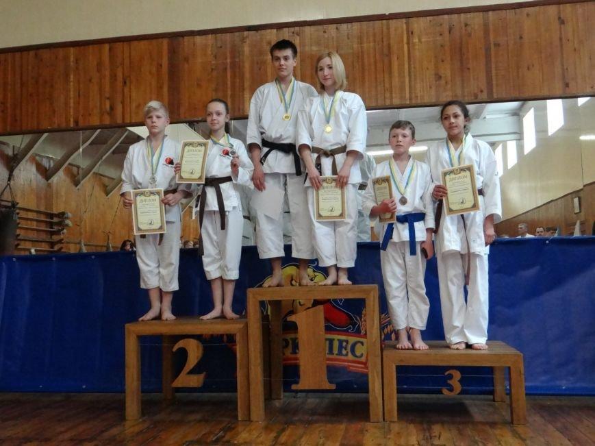 На Чемпионате Украины по каратэ-до криворожкие спортсмены завоевали 14 призовых мест (ФОТО), фото-2