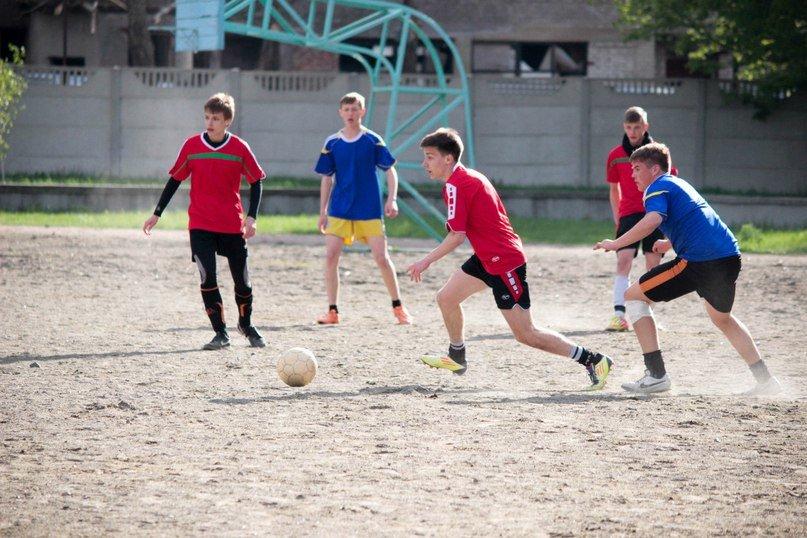 В Красноармейске (Покровске) определены лучшие футболисты (фото) - фото 1