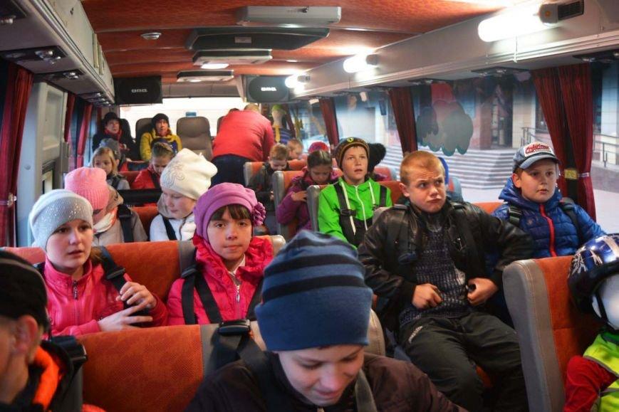Имитация аварии, задымление салона и манекен с ранениями. В Новополоцк приехал автобус-тренажер, фото-3