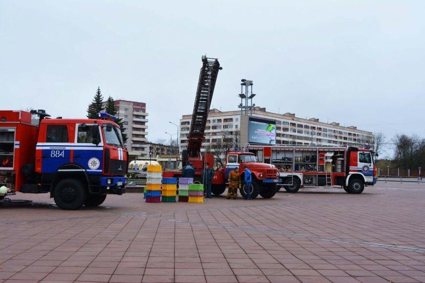 Имитация аварии, задымление салона и манекен с ранениями. В Новополоцк приехал автобус-тренажер, фото-8