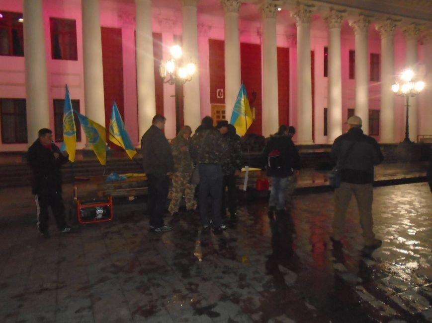 8f778662d5cee14d08ebdf7e6bd68232 В Одессе неизвестные попытались разогнать Майдан на Думской площади
