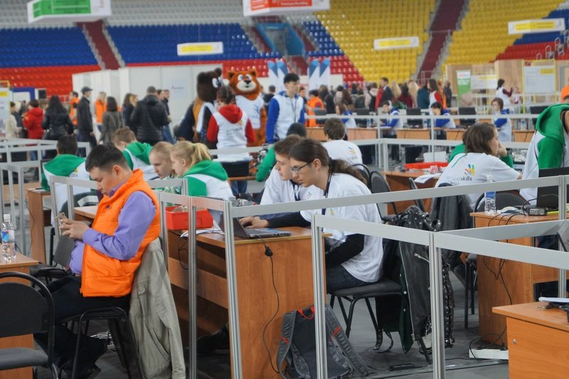 Сахалинские студенты вернулись с чемпионата Worldskills Russia в Хабаровске (фото) - фото 1