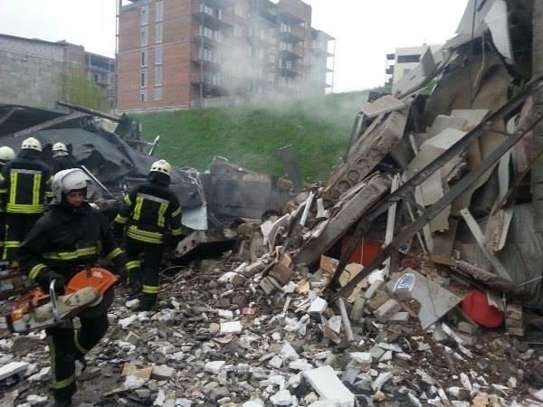В Подольском районе взрывом уничтожило 5 гаражей, один человек погиб (ФОТО, ВИДЕО), фото-2