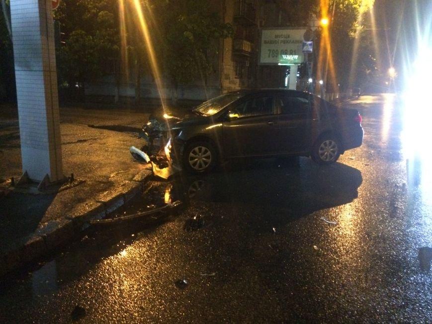 Вечер ДТП в Днепропетровске: столкнулись ЗАЗ и Subaru Forester, а также Toyota Corolla и ВАЗ (ФОТО) (фото) - фото 9