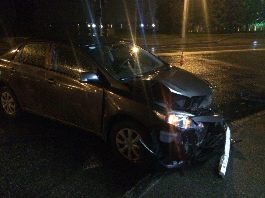 Вечер ДТП в Днепропетровске: столкнулись ЗАЗ и Subaru Forester, а также Toyota Corolla и ВАЗ (ФОТО) (фото) - фото 7
