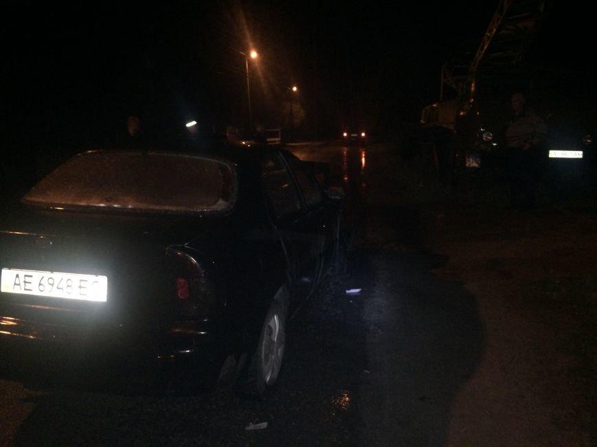 Вечер ДТП в Днепропетровске: столкнулись ЗАЗ и Subaru Forester, а также Toyota Corolla и ВАЗ (ФОТО) (фото) - фото 1