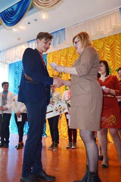 Ліцеїсти Рівненського обласного ліцею вдесяте отримали винагороди за знання, фото-5