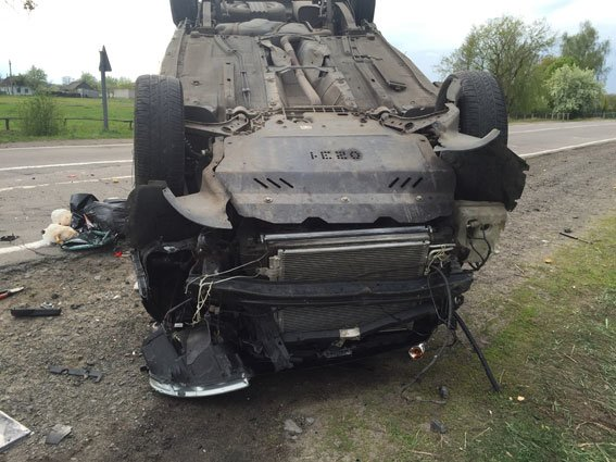 На Березнівщині загинув водій, авто якого перекинулося (ФОТО) (фото) - фото 2