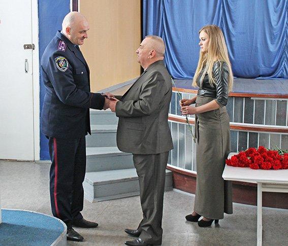 Начальник ГО полиции Криворого Рога Валерий Лютый награжден знаком
