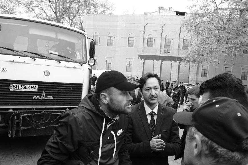 09333de36366228c18abc158c5e72f0b Полиция с титушками на службе у мэрии: Как в Одессе разгоняли мирный протест