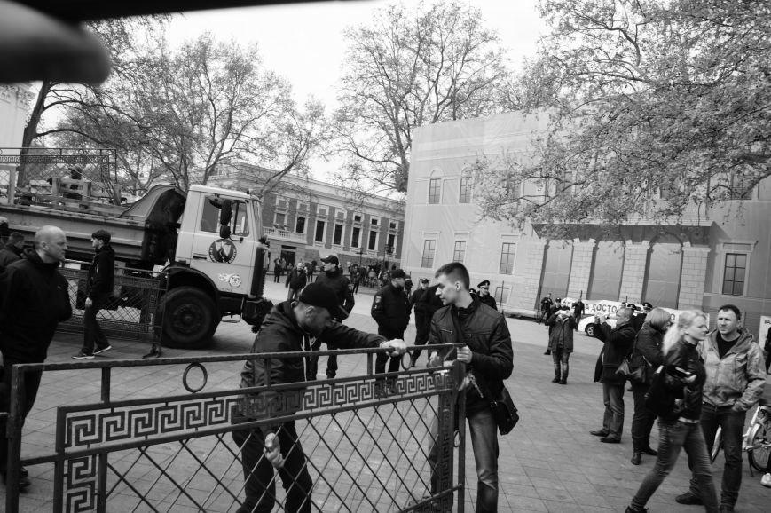 33c1aa01209d362eb578b34fdde0975f Полиция с титушками на службе у мэрии: Как в Одессе разгоняли мирный протест