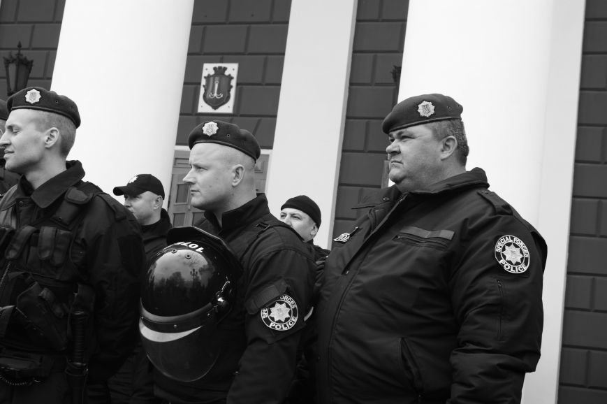 5330c9d18d761ff2eee945ec37126e4a Полиция с титушками на службе у мэрии: Как в Одессе разгоняли мирный протест