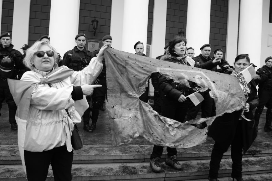 618515c69120529670f61728f597112d Полиция с титушками на службе у мэрии: Как в Одессе разгоняли мирный протест