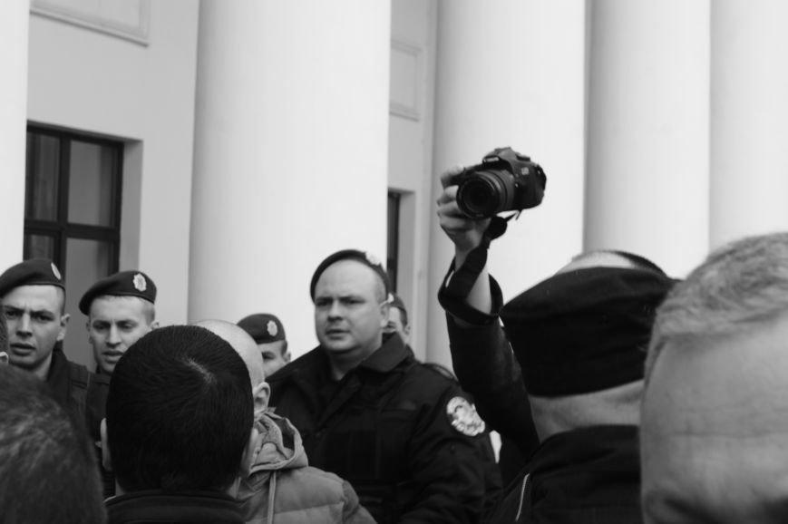 64b6ef690992853814c7ba487a1e160e Полиция с титушками на службе у мэрии: Как в Одессе разгоняли мирный протест