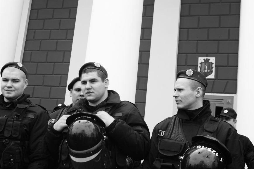 75de70b73b734fb45f507cf300ab50f7 Полиция с титушками на службе у мэрии: Как в Одессе разгоняли мирный протест