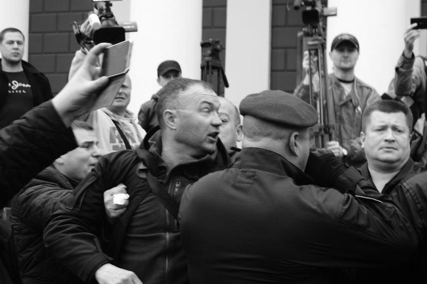 78fc45f4874d2afd9b7c427655b535d4 Полиция с титушками на службе у мэрии: Как в Одессе разгоняли мирный протест