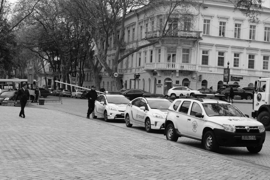 81e8e36d42fe51cbc1252a14ac5fd39d Полиция с титушками на службе у мэрии: Как в Одессе разгоняли мирный протест