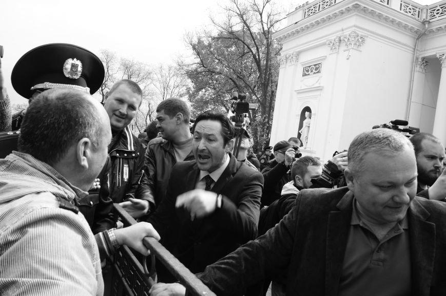 86db420a7a12b0f787ebded638643755 Полиция с титушками на службе у мэрии: Как в Одессе разгоняли мирный протест
