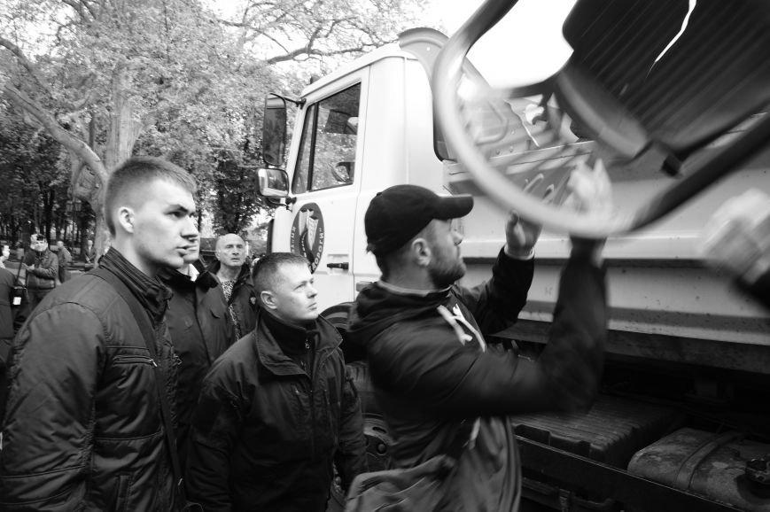 9edf5777d3668a5a601301a4c7f14d3e Полиция с титушками на службе у мэрии: Как в Одессе разгоняли мирный протест
