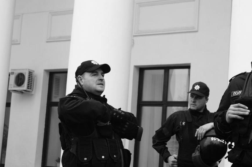 c7d60c2974e16a8fb44d81ed9697715d Полиция с титушками на службе у мэрии: Как в Одессе разгоняли мирный протест